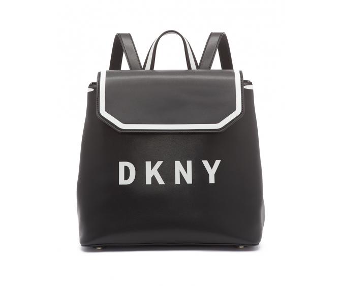 631741215326 Стильные рюкзаки, удобные кроссбоди и кошельки, а также классические модели  сумок поддерживают тренд логомании, и подчеркивают игривое настроение  сезона.